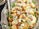 Salat mit Birne, Rucola, Nüssen und Gorgonzola Rezept