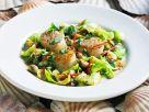 Salat mit Jakobsmuscheln, Kohl und Pilzen Rezept