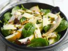 Salat mit Jarlsberg, Birnen, geräucherter Hähnchenbrust und Walnüssen Rezept