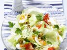 Salat mit Oliven,Tomaten und Eiern Rezept