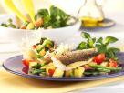 Salat Nizza im Parmesankörbchen mit gebratener Dorade Rezept