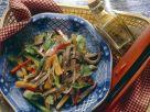 Scharfer Rindfleisch-Gemüsesalat Rezept