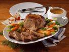 Schmorbraten mit Rotweinsoße und gemischtem Gemüse Rezept
