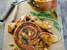 Schnecken-Bratwurst mit Apfel dazu Kürbisbrei Rezept
