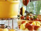 Schokofondue mit Früchten und Gebäck Rezept