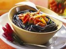 Schwarze Pasta mit feuriger Sauce Rezept