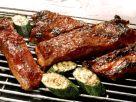 Schweinerippen und Zucchini vom Grill Rezept