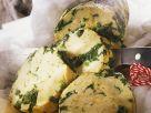 Serviettenknödel mit Spinat Rezept
