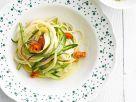 Spaghetti mit Zucchini- und Spargelstreifen Rezept