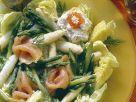 Spargel-Blattsalat mit Lachs Rezept