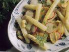 Spargelsalat mit gebratenem Hähnchen Rezept