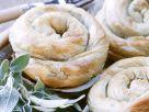 Spinat-Feta-Schnecken aus Filoteig Rezept