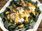 Spinatsalat mit Geflügel, Mandarinen und Pecannüssen Rezept