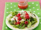 Spinatsalat mit Käse und Beeren Rezept