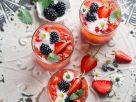 Spritzige Beerenbowle Rezept