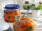 Süß-saure Karotten (eingelegt) Rezept