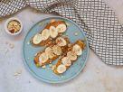 Süßkartoffel-Toast mit Erdnussbutter und Banane Rezept