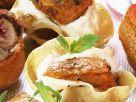 Tacochip-Schälchen mit pikantem Hähnchenfleisch Rezept