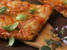 Tomaten-Mozzarella-Pizza vom Blech Rezept