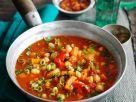 Tomatensuppe mit Hähnchenbrust und Gemüse Rezept
