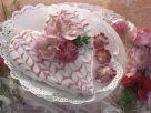 Torte in Herzform mit Rosendeko Rezept