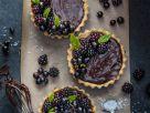 Tortelettes mit Schokoladen-Avocado-Creme und Beeren Rezept
