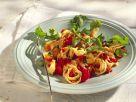 Tortellini-Artischockensalat mit Tomatensauce Rezept