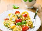 Tortellini mit Tomaten Rezept