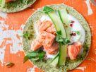 Tortillas mit Lachs und Gurkenstreifen Rezept