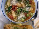 Vegetarische Minestrone mit dicken Bohnen und Nudeln Rezept