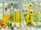 Verschiedene Öle mit Kräutern Rezept