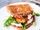 Vollkornbrot-Cheeseburger Rezept
