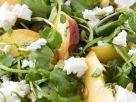 Wasserkressesalat mit Pfirsich und Schafskäse Rezept