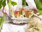 Weinbowle mit frischen Beeren Rezept
