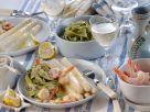 Weißer Spargel mit Shrimps und grünen Nudeln Rezept