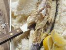 Wolfsbarsch im Salzmantel gebacken Rezept