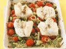 Wolfsbarsch mit Porree und Cherrytomaten aus dem Ofen Rezept
