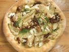 Ziegenkäse-Pizza mit Fenchel, Walnüssen und getrockneten Tomaten Rezept