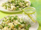 Zucchini-Erbsen-Couscoussalat mit Fetakäse Rezept