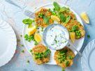 Zucchini-Erbsen-Fritter mit Zitrone und Minz-Joghurt-Dip Rezept